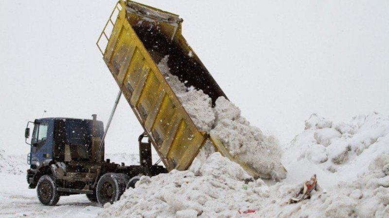 Кто убирает и вывозит снег