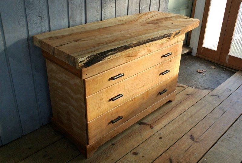 Из каких пород дерева делают мебель