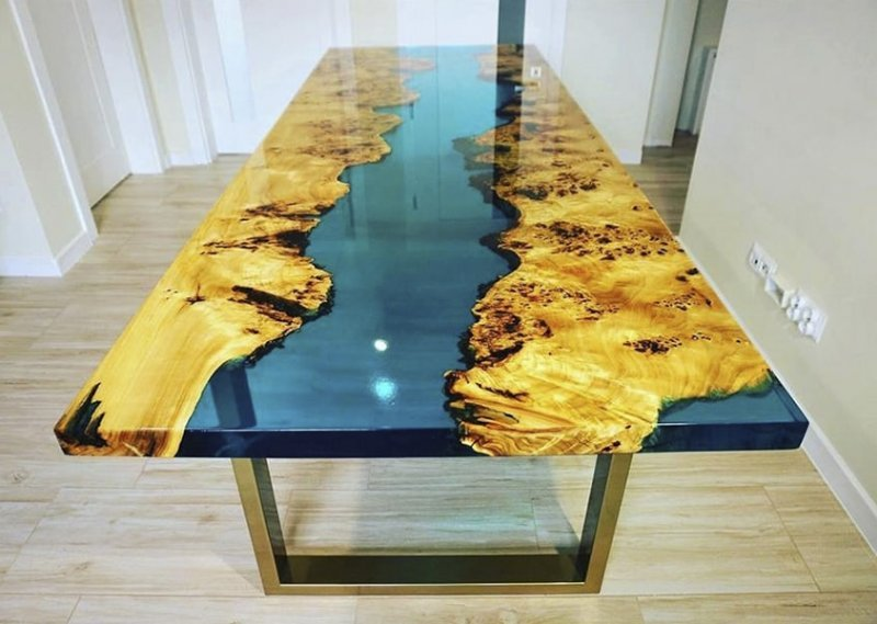 стол река