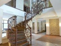 эксклюзивные кованые лестницы из металла на заказ