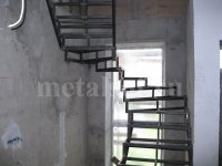 Винтовые кованые лестницы: красота, воплощенная в металле