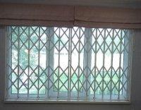 Решетка раздвижная на окно в проем 1500×2000 Двухстворчатая оконная решетка