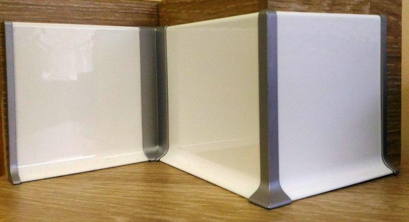 плинтус алюминиевый белый