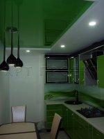 Монтаж натяжного потолка в кухне