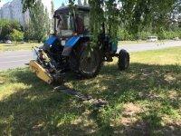 Покос травы роторной косилкой. Трактор МТЗ