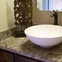 Столешницы для ванных комнат из натурального, природного камня и искусственного камня агломерата