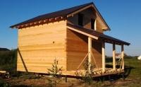 Дом из бруса 6х6 с кровлей и свайным фундаментом