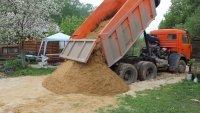 песок карьерный и  речной от 2  до 15 тонн
