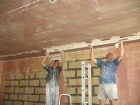 Выравнивание стен и потолков.