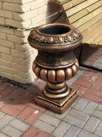 Садовый вазон из бетона — Римская чаша удлинённая (Классическая бронза)