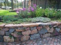 натуральный камень для  подпорных стен и альпийских горок
