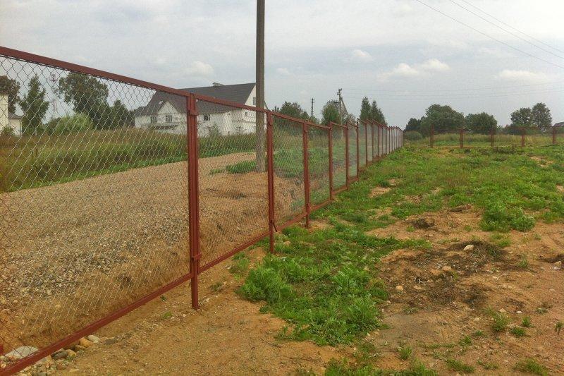 Забор из сетки-рабицы под ключ