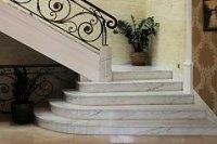 Изделия из мрамора и гранита для интерьера: лестницы, ступени, столешницы, подоконники и т.д.