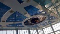Монтаж натяжного потолка в бассейне