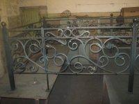 Изготовление ритуальных оградок и крестов.