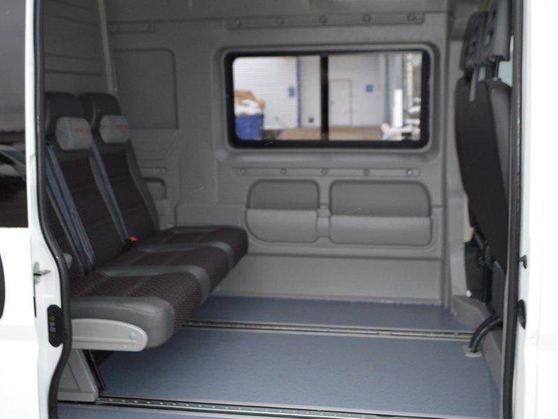 Грузопассажирский микроавтобус с трансформацией в грузовой фургон!