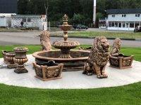 Парковый фонтан из бетона — Королевский