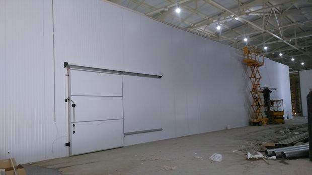 Холодильные откатные двери и ворота