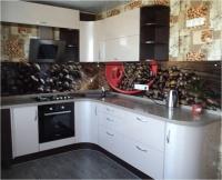 В Самаре фирма «Альфа-Мебель» изготавливает на заказ кухни различной комплектации.