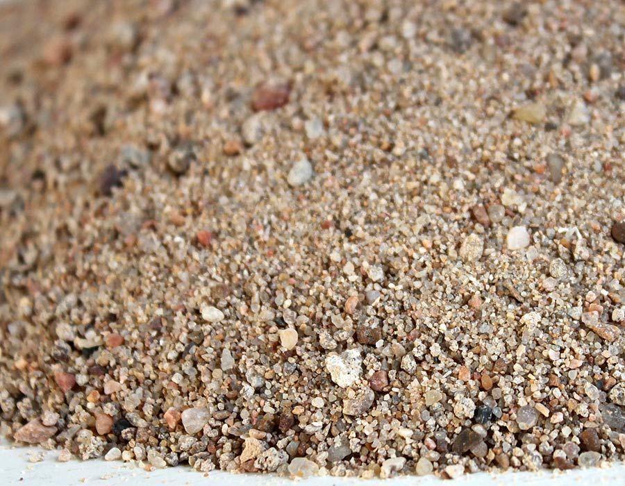 какого цвета речной песок