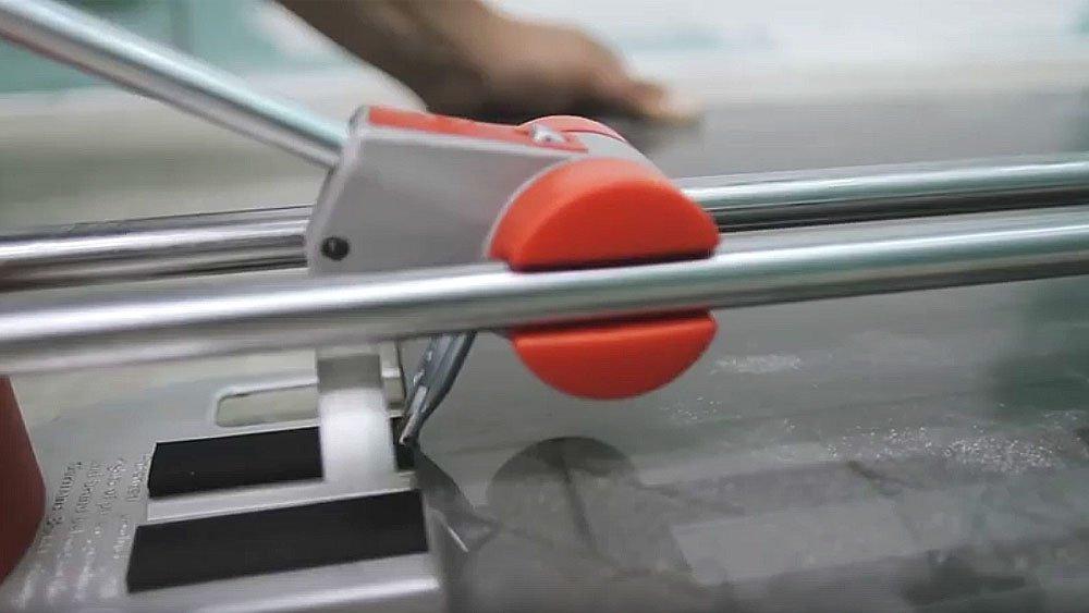Как сделать подрезку плиткорезом