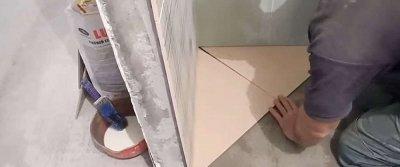 Как правильно класть плитку на пол своими руками