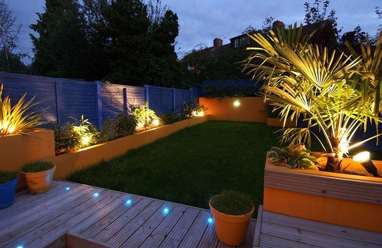 Декоративное освещение на даче фото 3