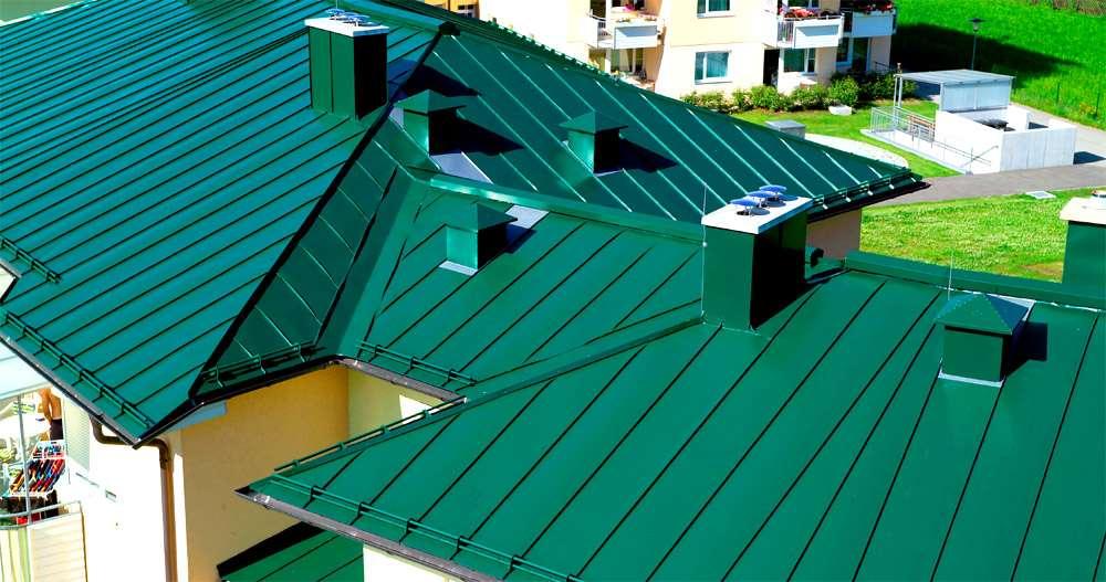 Укладка крыши из оцинкованной стали
