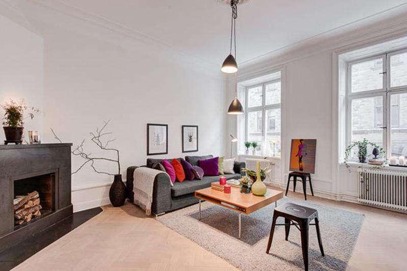 Яркие подушки для скандинавского стиля в интерьере