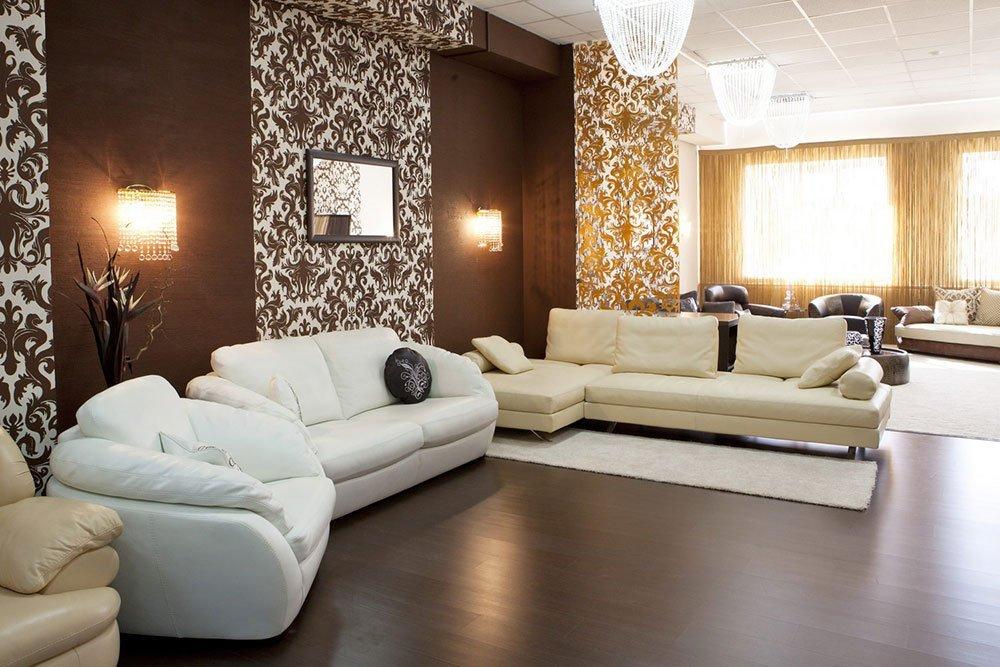 Варианты комбинирования обоев в гостиной. Орнаменты и узоры