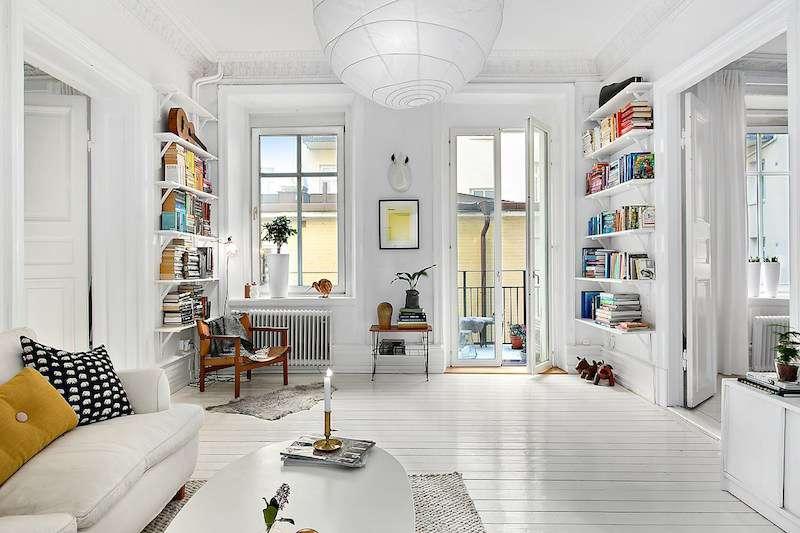 Белый интерьер, открытые полки - это и есть скандинавский стиль в интерьере