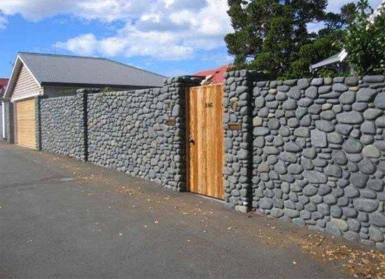 Каменный забор, забор из песчаника