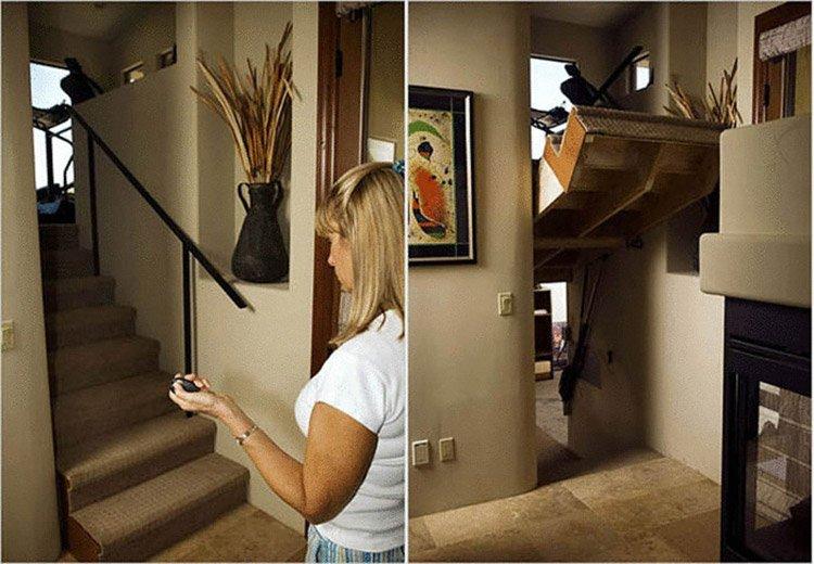 дверь и лестница в одном флаконе