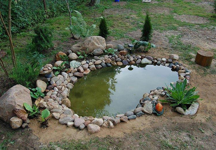 Декоративный пруд на даче фото 10