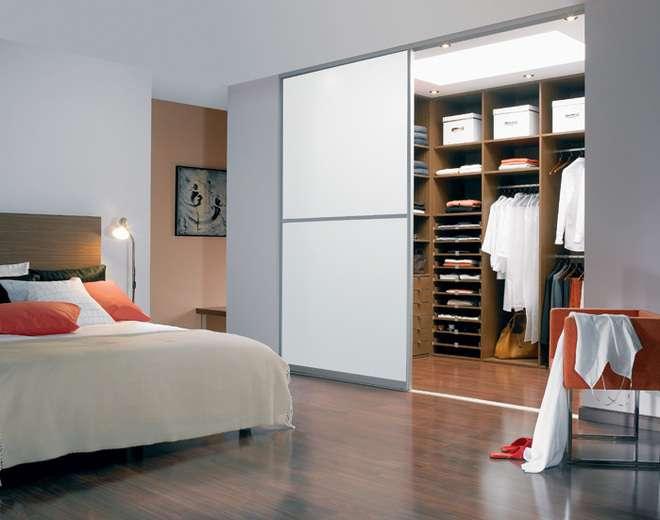 Гардеробные в маленькой спальне: ТОП-10 лучших идей фото 1