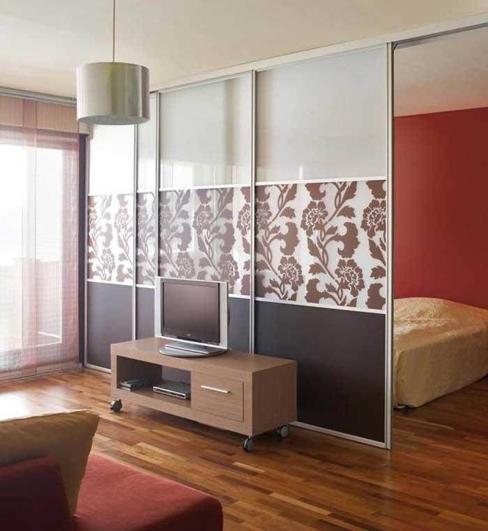 Зонирование комнаты на спальню и гостиную фото 2