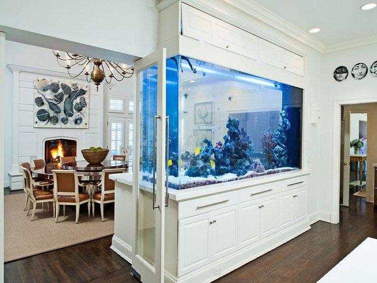 Межкомнатная перегородка с аквариумом