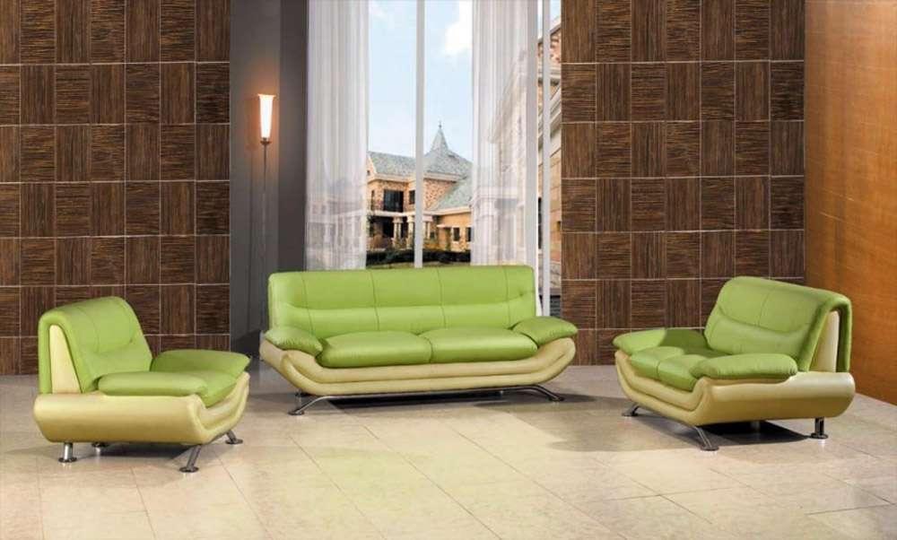 Пример сочетания цветов интерьера и ярко-зеленого дивана