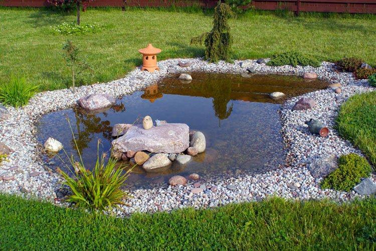 Декоративный пруд на даче фото 11