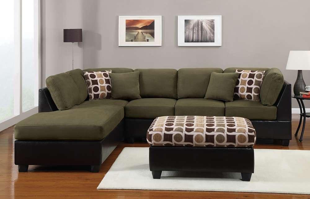 Угловой зеленый диван в современном интерьере