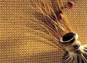 Искусственный ковролин легко чистится и не мнется