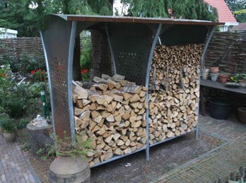 Устройство дровяника на даче. Как сделать его своими руками