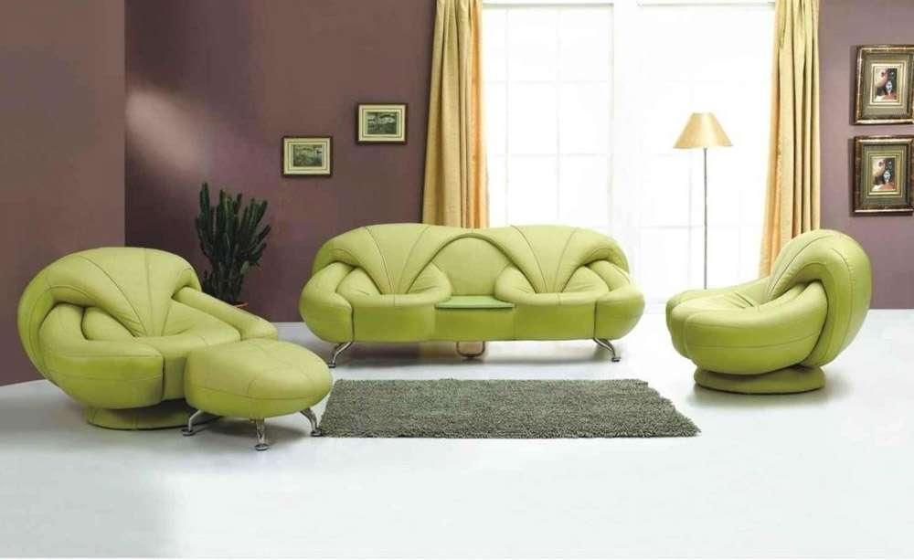 Зеленый диван в стиле арт-деко