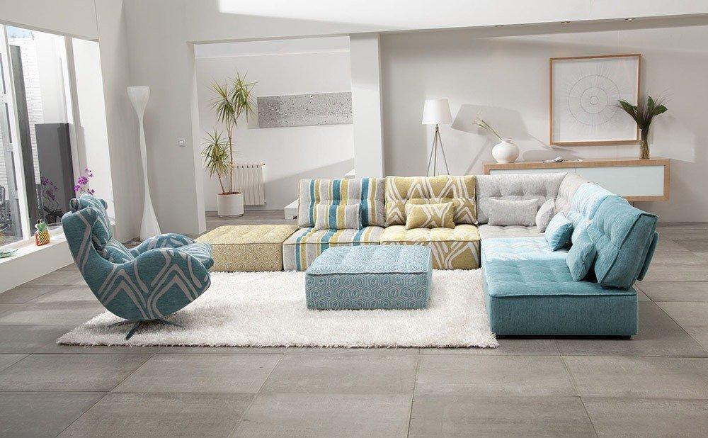 Мягкая мебель для гостиной: 10 идей интерьера фото 02-05