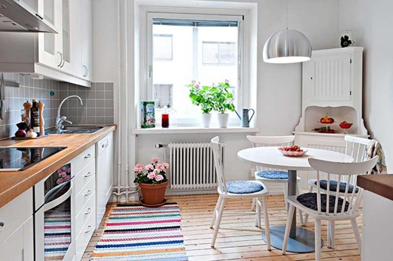 Яркий декор на кухне в скандинавском стиле