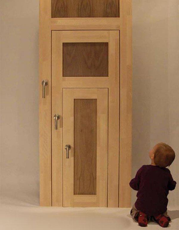 дверь с детской дверью