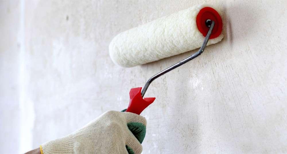 Венецианская штукатурка наносится на сухую, идеально ровную стену