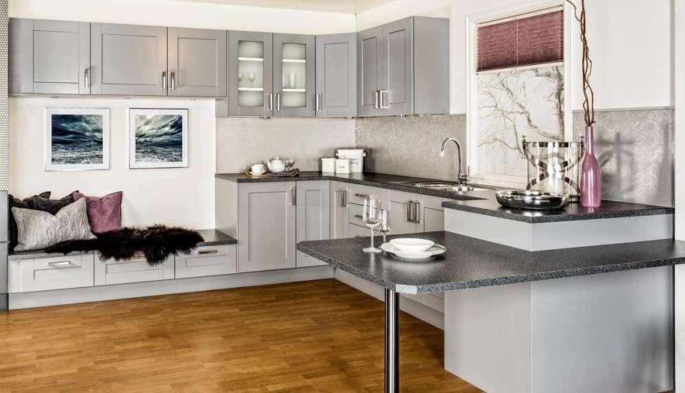 Серая кухня в современно стиле