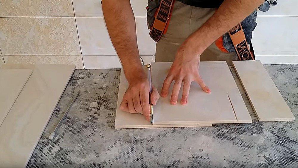Как сделать подрезку стеклорезом, сверлом или острым ножом