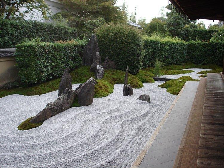 Сад камней на даче фото 2